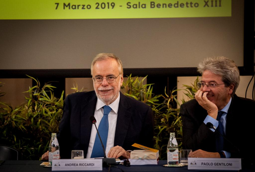 Top Vatican Diplomat praises Sant'Egidio for its passion for peace