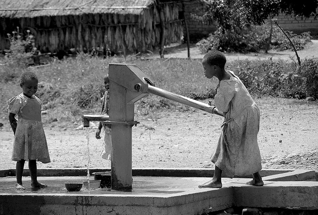 World Water Day: drinking water is a right for all, not the privilege for the few