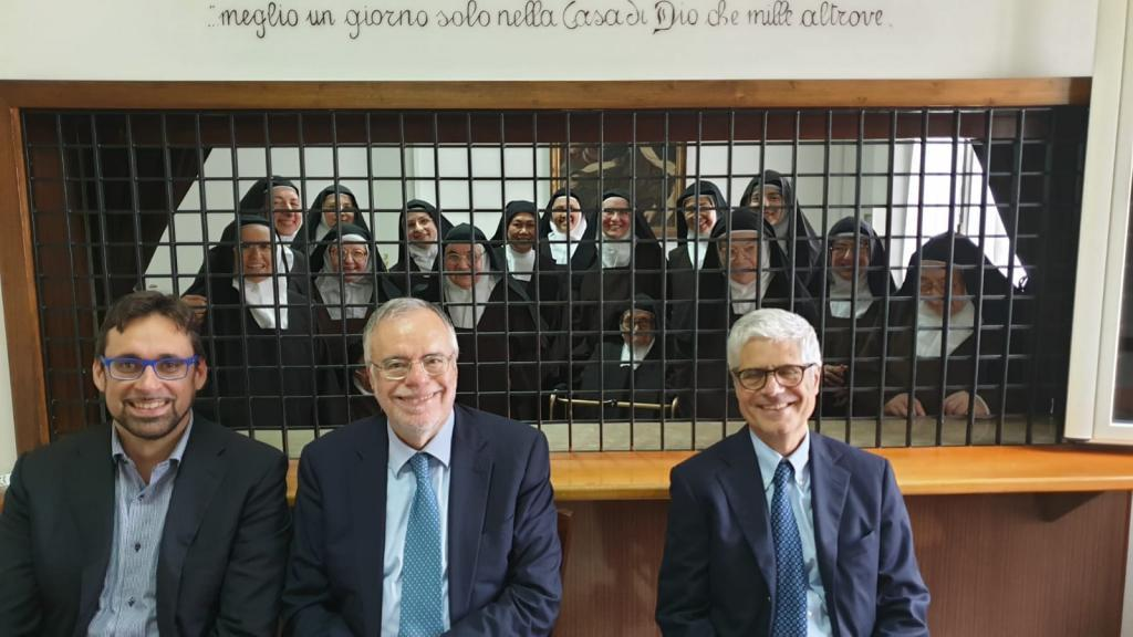 The Carmelite nuns of Pescara, who previously lived in Sant'Egidio, received a visit from Andrea Riccardi